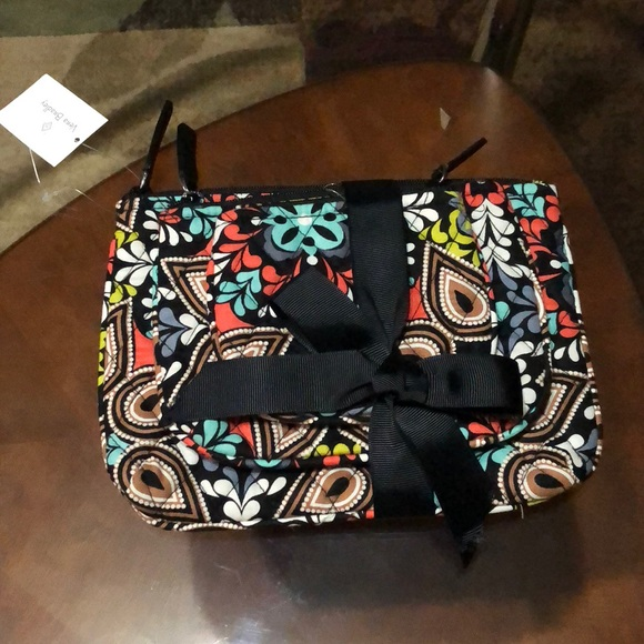 9f0a6cad88 🆕Vera Bradley Cosmetic Trio Set Of 3 in Sierra